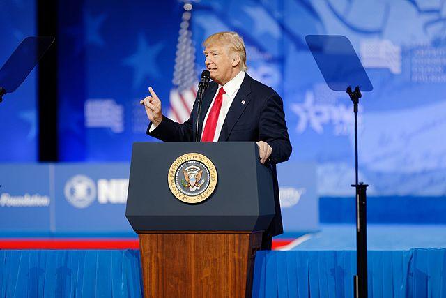 A ordem de Trump para suspender a imigração não afeta vistos E-2