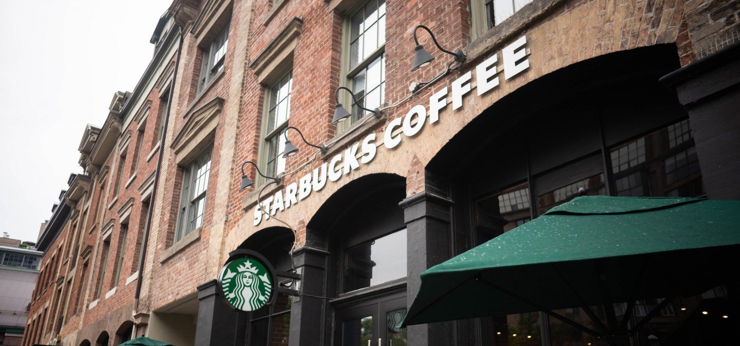 cafetería Starbucks invertir